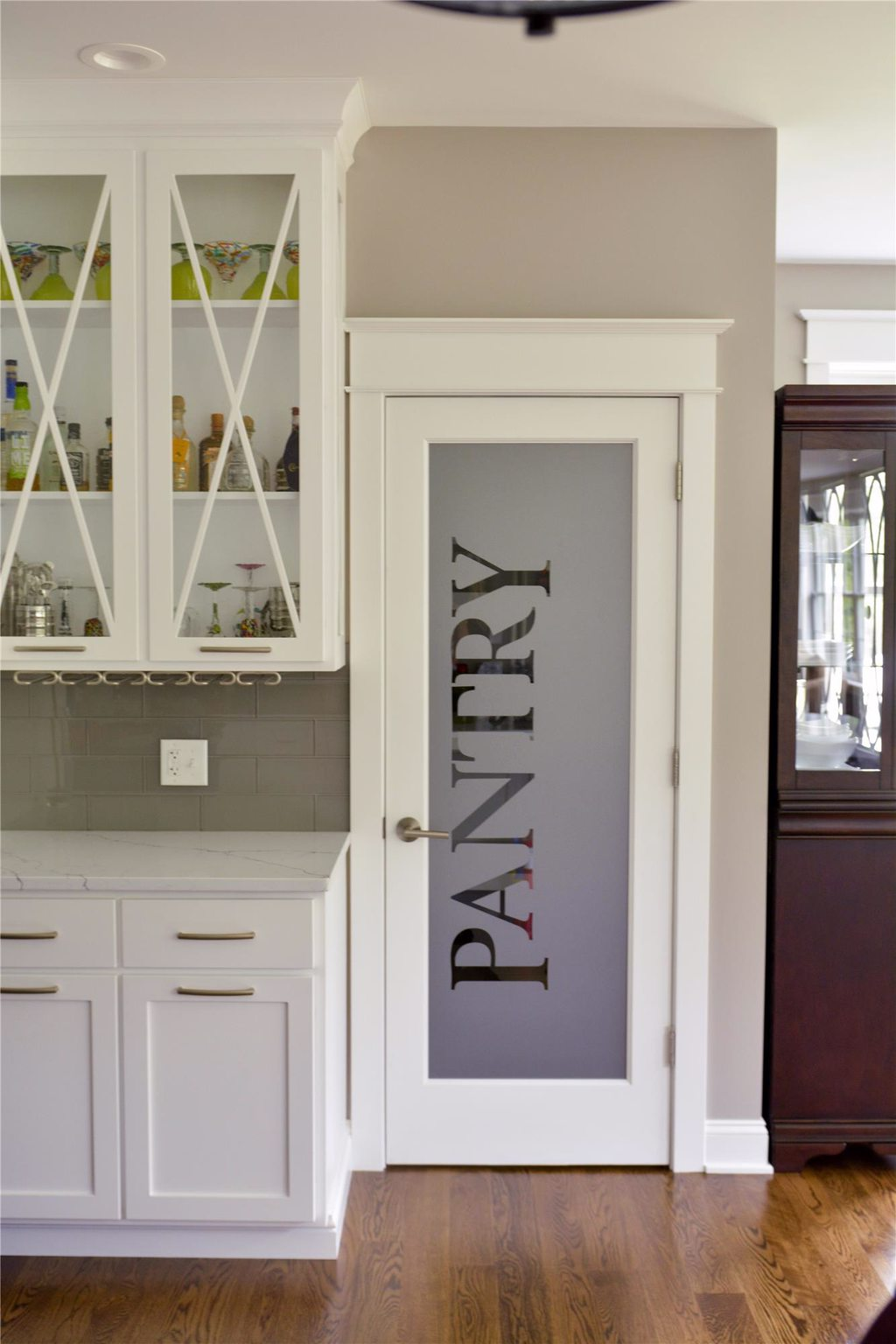 Modern Wall-In Kitchen Pantry